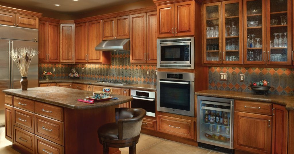 How to Pick Cabinets for Your Tucson Kitchen or Bath Remodel