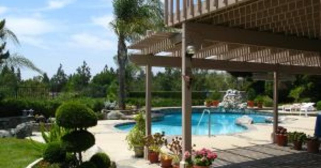 Outdoor Oasis with Swimming Pool